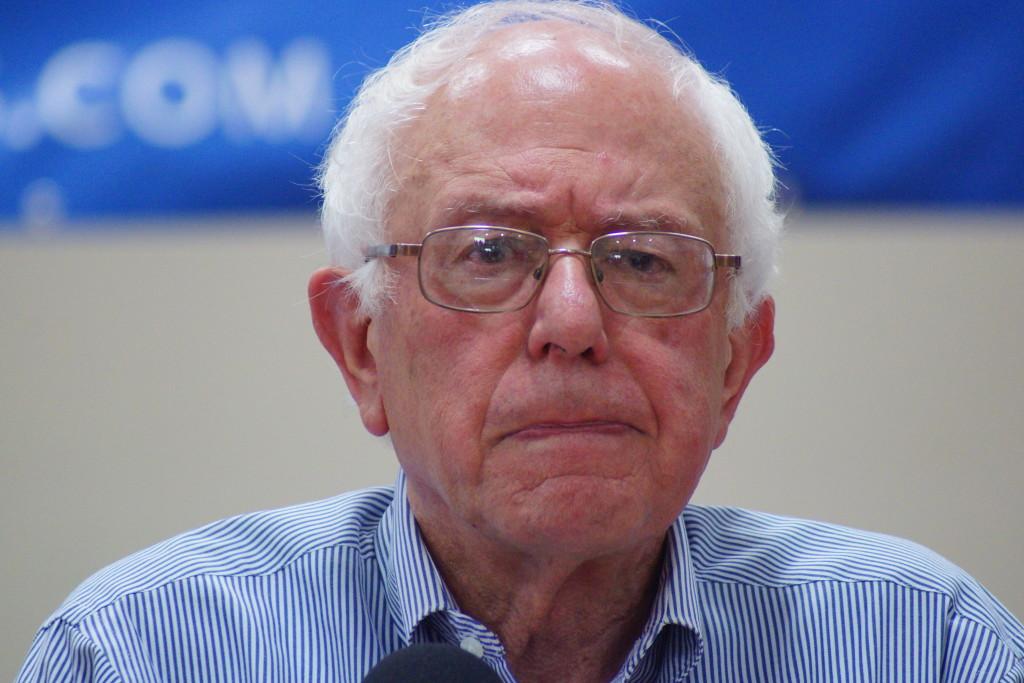 Bernie-sanders-franklin-nh-20150802-DSC02607_(19619885364)-1